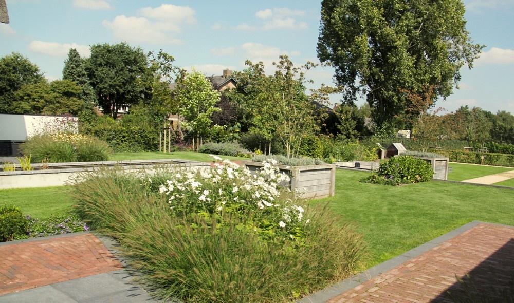 Tuin aanleggen voorbeelden awesome staalwand zwembad in for Zen tuin aanleggen